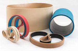 Un set di cinghie azeta gomma di diverse forme e dimensioni